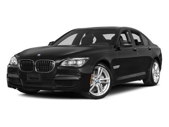 2015 BMW 750 i xDrive : Car has generic photo