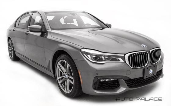 2016 BMW 750 i xDrive:10 car images available