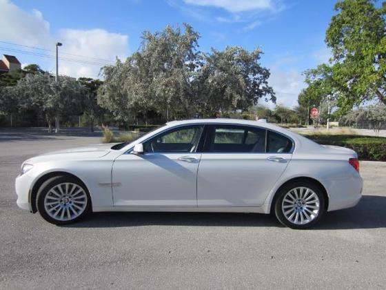2010 BMW 750 i:19 car images available