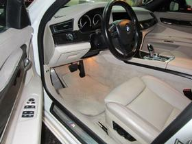 2011 BMW 750 i