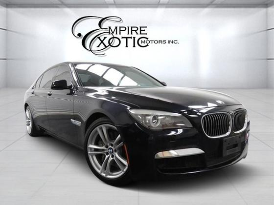 2012 BMW 750 i:24 car images available