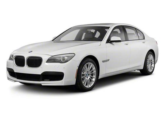 2012 BMW 750 i : Car has generic photo