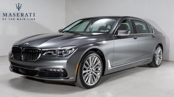 2016 BMW 750 i:22 car images available