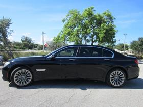2011 BMW 750 i:20 car images available