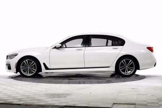 2017 BMW 750 i