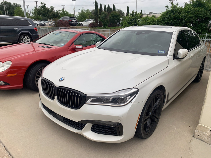 2019 BMW 750 i:6 car images available