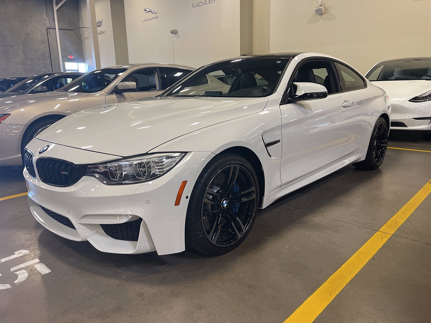 2017 BMW M4 :15 car images available