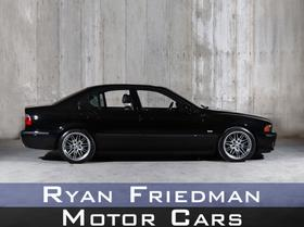 2002 BMW M5 :2 car images available