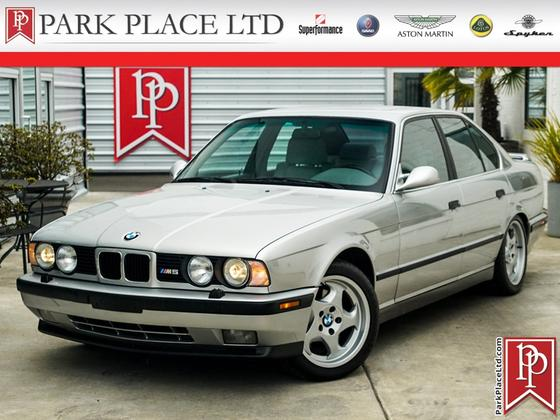 1993 BMW M5 :24 car images available