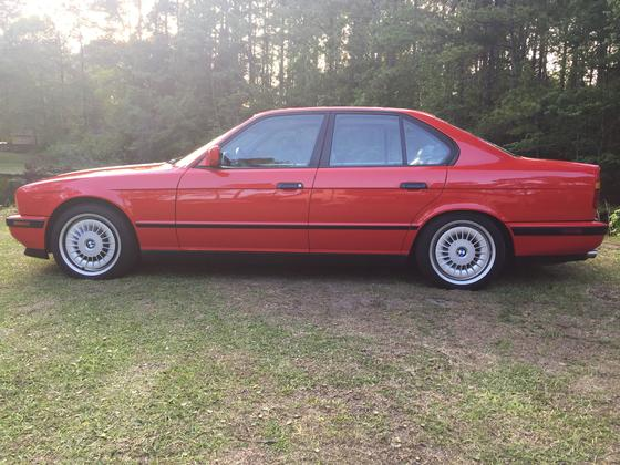 1991 BMW M5 Sedan:24 car images available