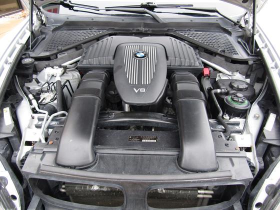 2008 BMW X5 4.8is