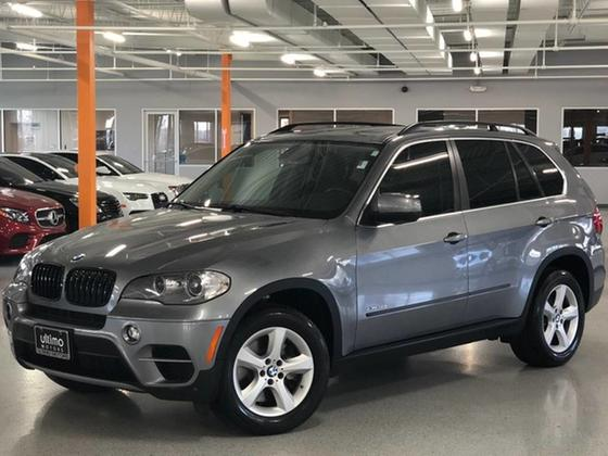 2012 BMW X5 50i:24 car images available
