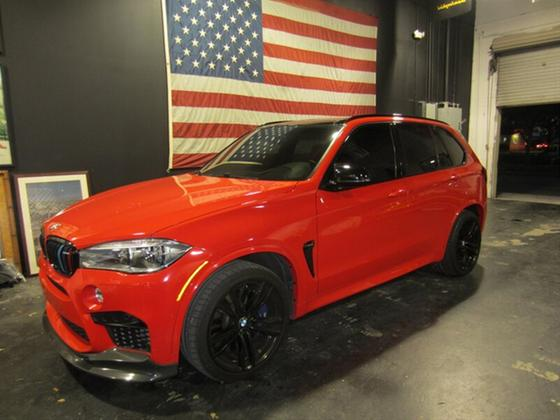 2017 BMW X5 M:10 car images available