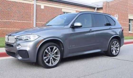 2017 BMW X5 xDrive50i : Car has generic photo