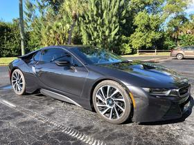 2015 BMW i8 :2 car images available