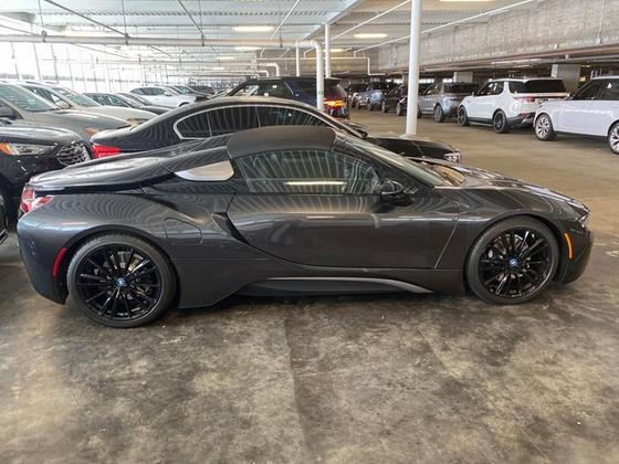 2019 BMW i8 :5 car images available
