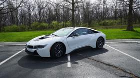 2015 BMW i8 Coupe:13 car images available