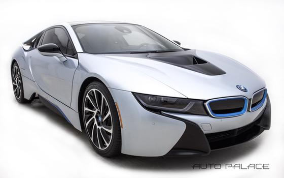 2015 BMW i8 Pure Impulse:10 car images available