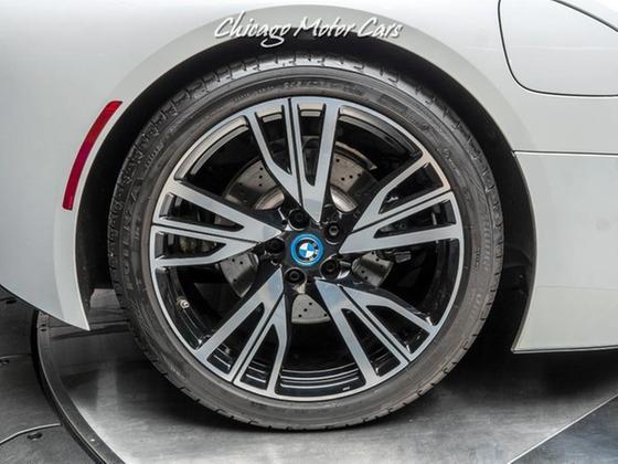 2015 BMW i8 Pure Impulse