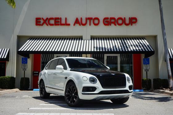 2017 Bentley Bentayga :24 car images available