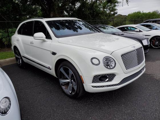 2017 Bentley Bentayga W12:4 car images available