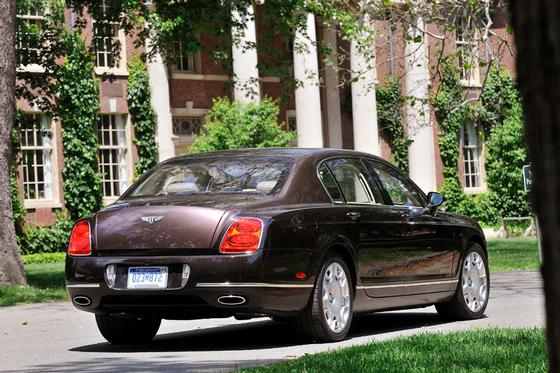 2009 Bentley Continental Flying Spur : Car has generic photo