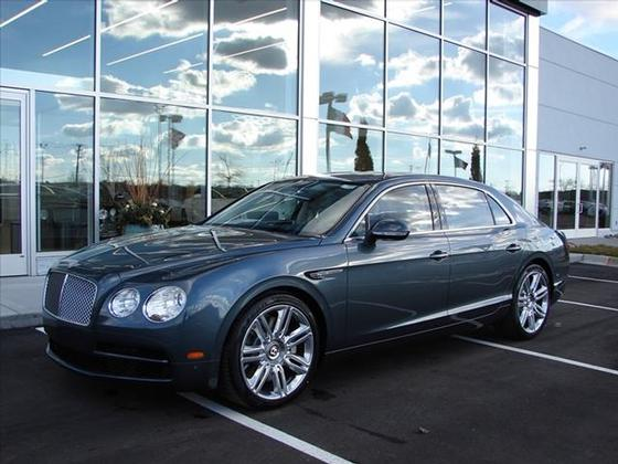 2016 Bentley Flying Spur V8:23 car images available