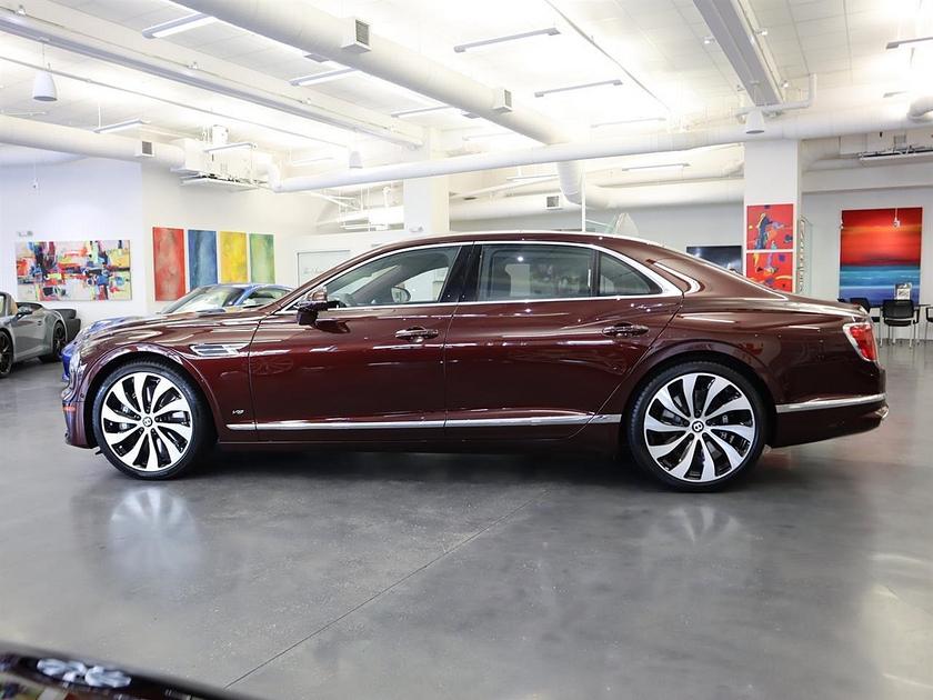 2021 Bentley Flying Spur V8:24 car images available