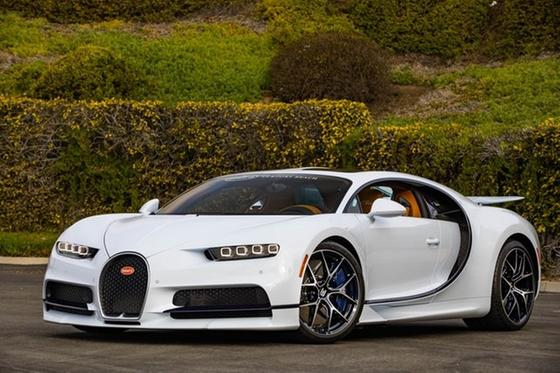 2019 Bugatti Chiron Sport:24 car images available