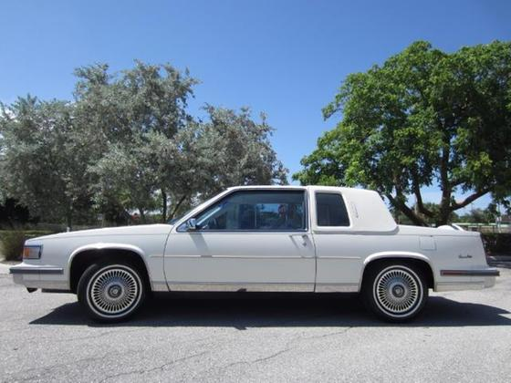 1986 Cadillac DeVille :18 car images available