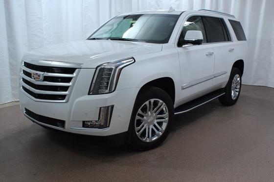 2017 Cadillac Escalade :24 car images available