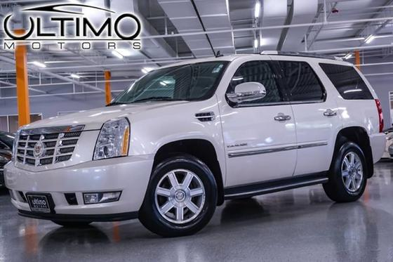 2010 Cadillac Escalade :24 car images available
