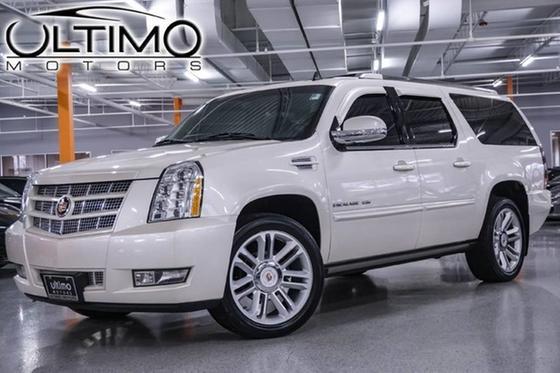 2012 Cadillac Escalade ESV:24 car images available