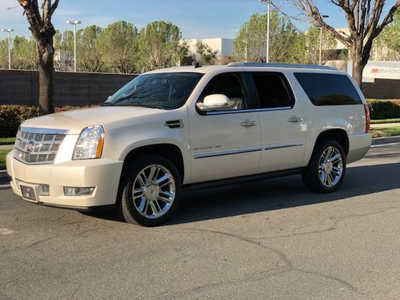 2013 Cadillac Escalade ESV:24 car images available