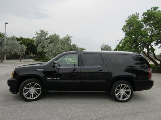2013 Cadillac Escalade ESV:18 car images available