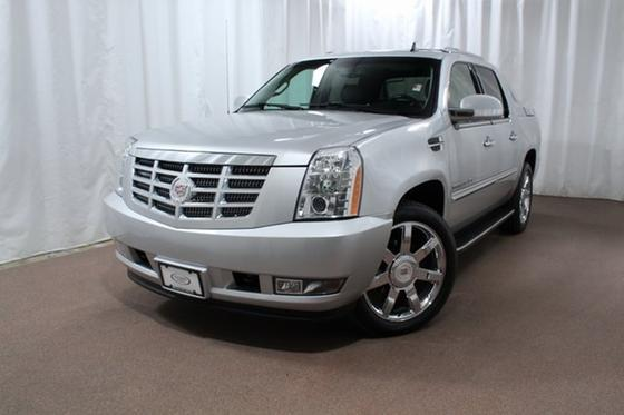 2012 Cadillac Escalade EXT:24 car images available