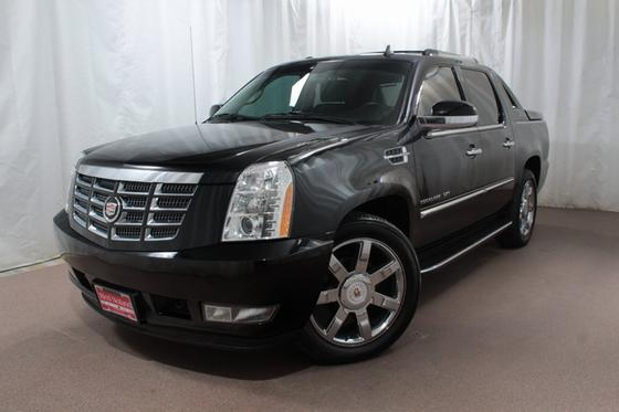 2013 Cadillac Escalade EXT:24 car images available
