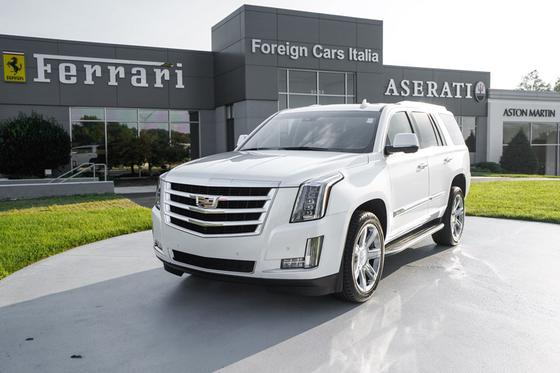 2016 Cadillac Escalade Luxury:8 car images available
