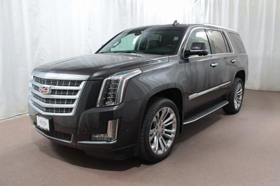 2017 Cadillac Escalade Luxury:24 car images available