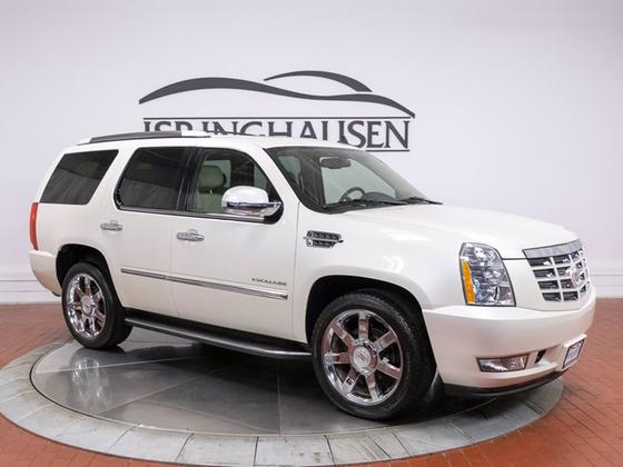 2010 Cadillac Escalade Luxury:21 car images available