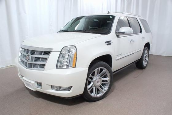 2014 Cadillac Escalade Platinum Edition:24 car images available