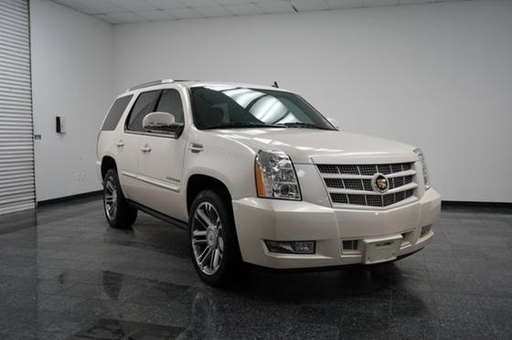 2013 Cadillac Escalade Premium:24 car images available