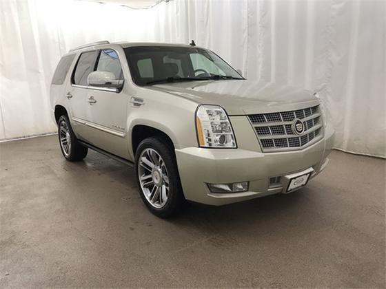 2013 Cadillac Escalade Premium:24 car images available