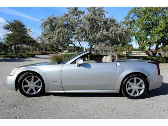 2004 Cadillac XLR :22 car images available