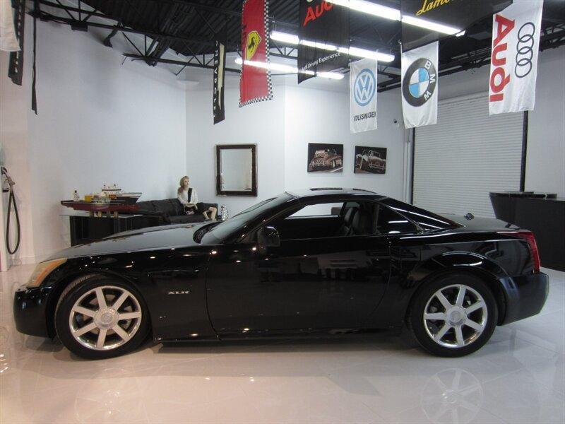 2004 Cadillac XLR :12 car images available