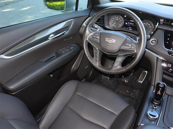 2020 Cadillac XT5 Sport