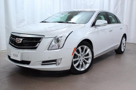 2017 Cadillac XTS Luxury:24 car images available