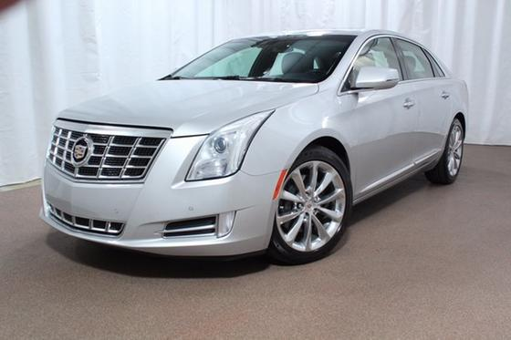 2014 Cadillac XTS Luxury:24 car images available
