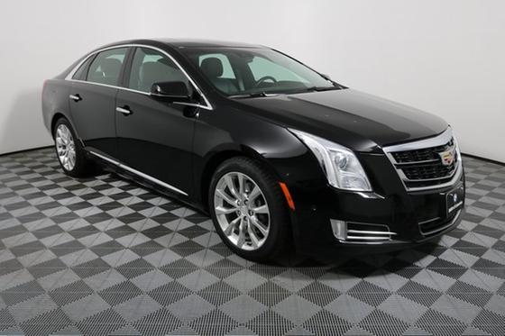 2016 Cadillac XTS Luxury:24 car images available