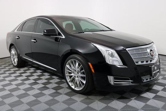 2013 Cadillac XTS Platinum:24 car images available